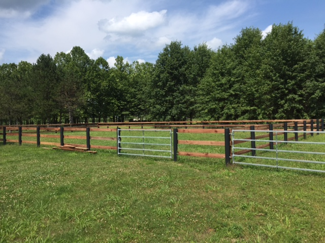 3-board, with FFC SQ livestock gates