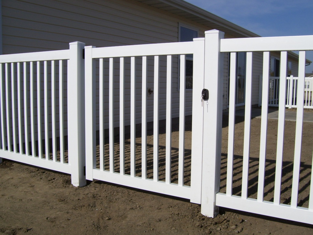 "4' tall, ""Colonial"" is our most cost effective PVC option. Notice our standard latch with key"